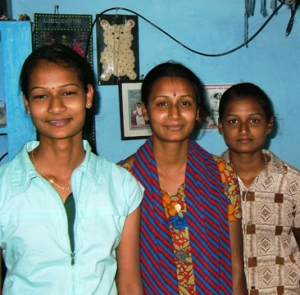 Vijayalakshmi (left) studied engineering and now works in Chennai. Her sister Vijayakumari (right) qualified as a nurse and works in a hospital in Chennai. Both girls were the inspiration for the fund.
