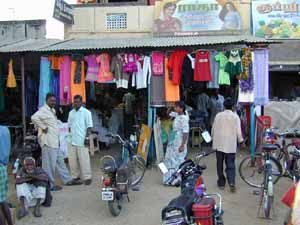 Clothes shops are popular in the village.